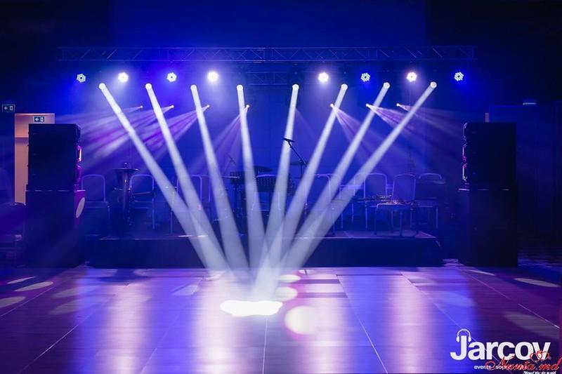 Efectele de lumini speciale pentru sărbătoarea Dumneavoastră