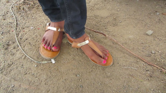 Wonderful caribbean woman with sexy feet size 9