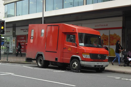 Post Office Mercedes Vario DX04 SYE (401)