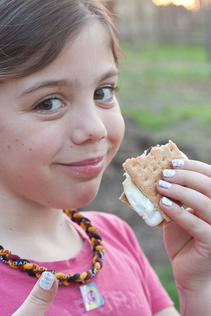S'mores for summer via The Risky Kids
