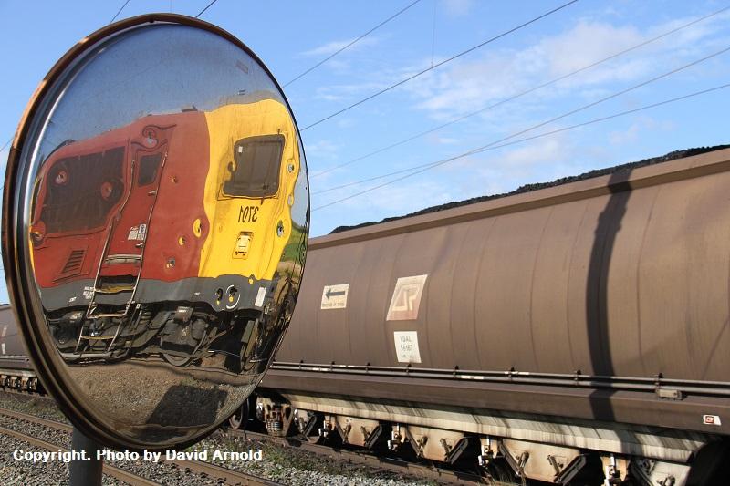3701 mid train unit on EV09 loaded coal at Yukan 30-10-14 - Copy by David Arnold