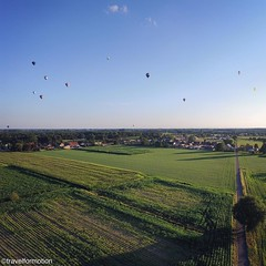 #yesterday #evening #aerialphotography #view #ballons #landscape #fields #eeklo #meetjesland #ballonmeetingeeklo #belgium #belgium_unite #igbelgium #visitflanders #blue #evening #sky #sunset
