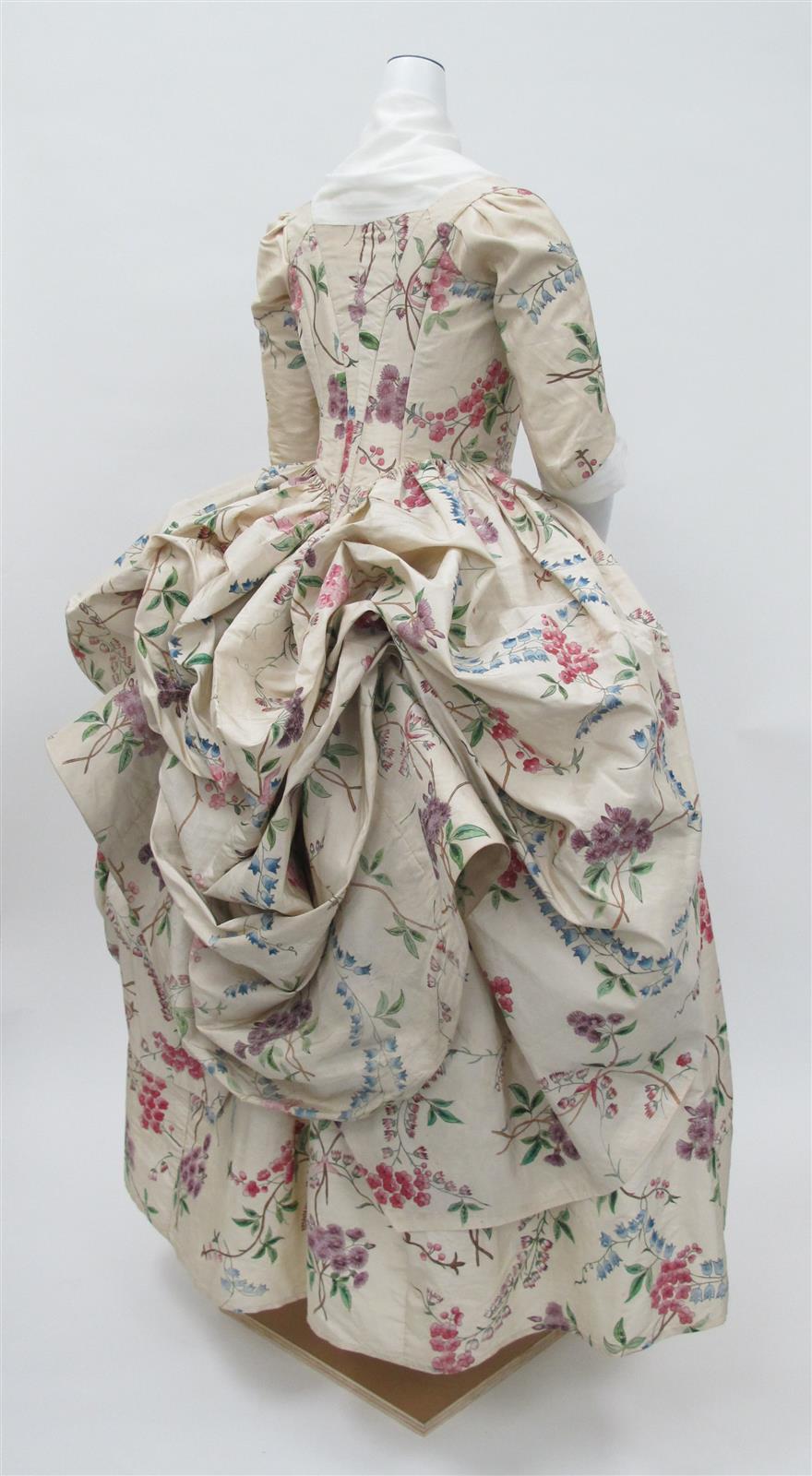 1780 Robe à la Polonaise. French. Silk. metmuseum
