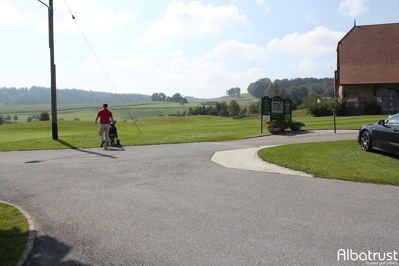 photo du golf Vuissens - Parking