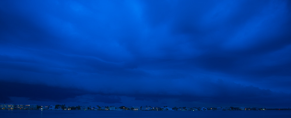 Storms rolling up #TampaBay over Tierra Verde from Pass-A-Grille on #StPete Beach, 1