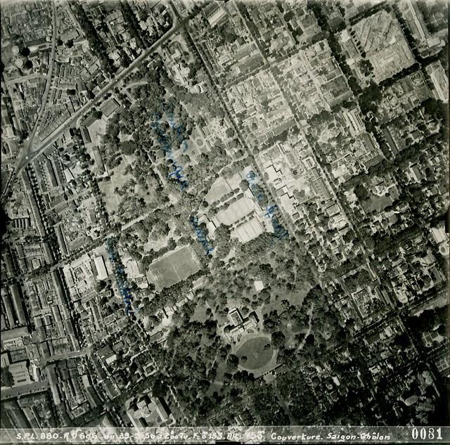 1950 Saigon Aerial View - Ngã 6 Phù Đổng (mép trái ảnh), Vườn Tao Đàn, Dinh Độc Lập