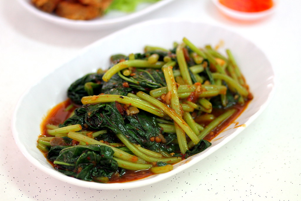 Sembawang White Bee Hoon: You Huak Restaurant's Sambal Sweet Potato Leaves