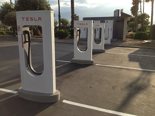 Harris Ranch Tesla Supercharging Stations by lucky_clover