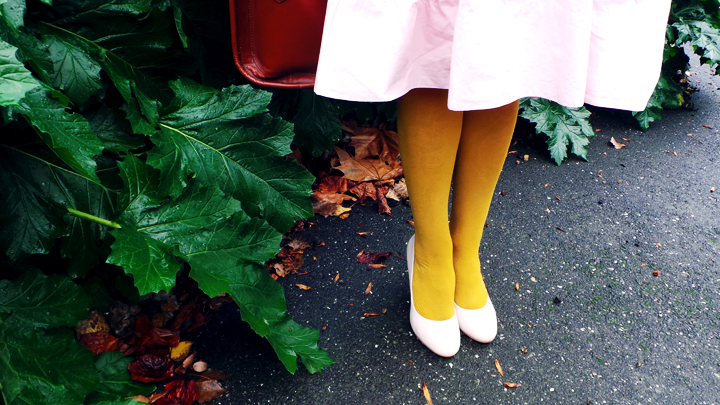 Winter-walk-vintage-pink-mustard i