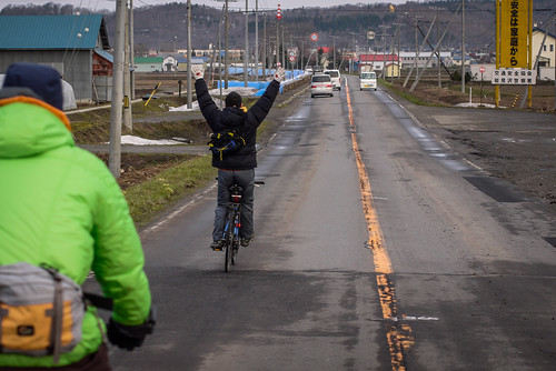 Cycling with no hands (Tsukigata Town, Hokkaido, Japan)