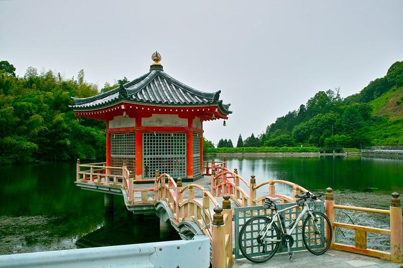 安養寺浮見堂