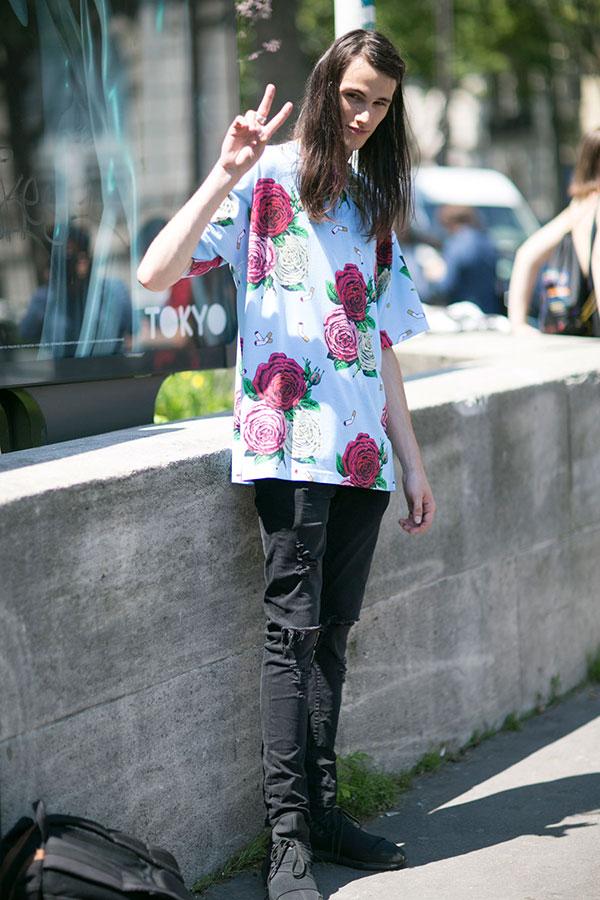 花柄ビッグシルエットTシャツ×黒ダメージスキニーパンツ×adidas Y-3 Qasa黒