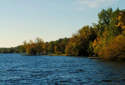 water shoreline lake uppersaintcroixlake solonsprings solonspringswi solonspringswisconsin midwest northernwisconsin wi unitedstates usa unitedstatesofamerica