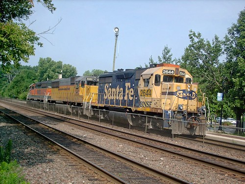 Westbound BNSF Railway light engine movement.  Riverside Illinois.  July 2007. by Eddie from Chicago