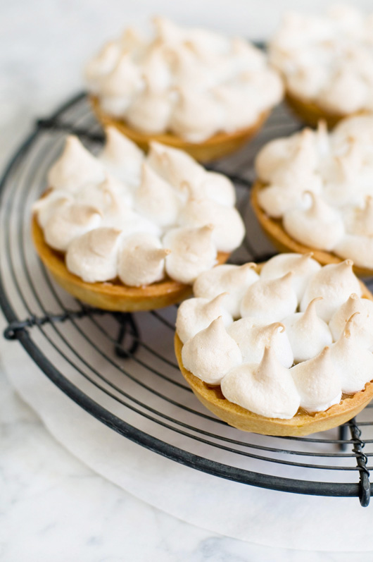 Delicious Bites: Lemon Meringue Tarts