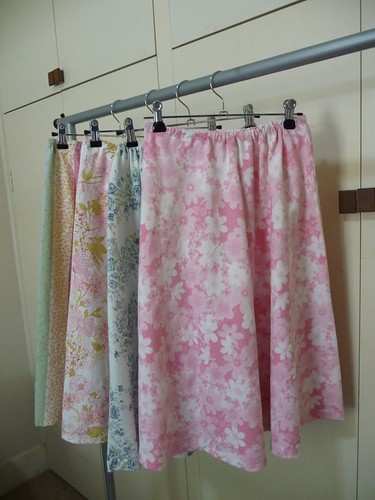 Vintage Sheet Project, Skirts by The Witch on the Barn