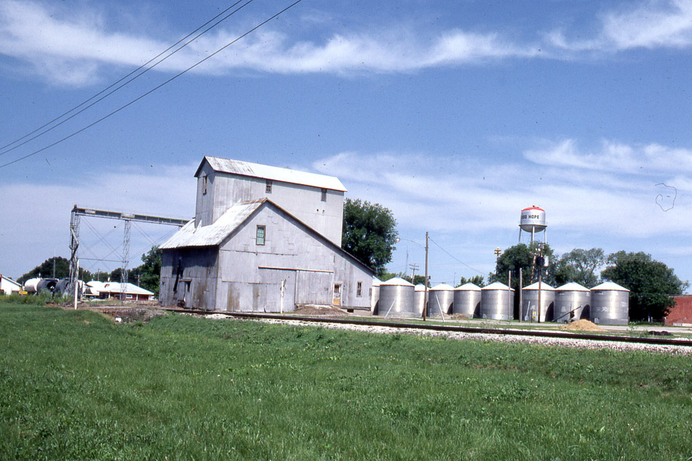 Macomb (IL) United States  city photos : Grain elevator in Good Hope IL on the TP&W on 6/6/81.