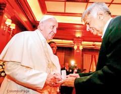 Pope coin presentation in Sri Lanka