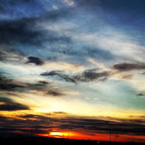 Coming home from the hills #California #colors #sky #sunset