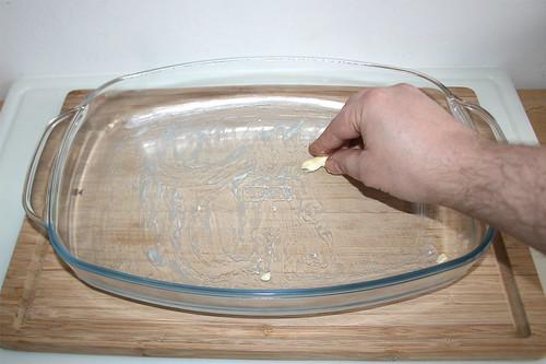 20 - Auflaufform ausfetten / Grease casserole