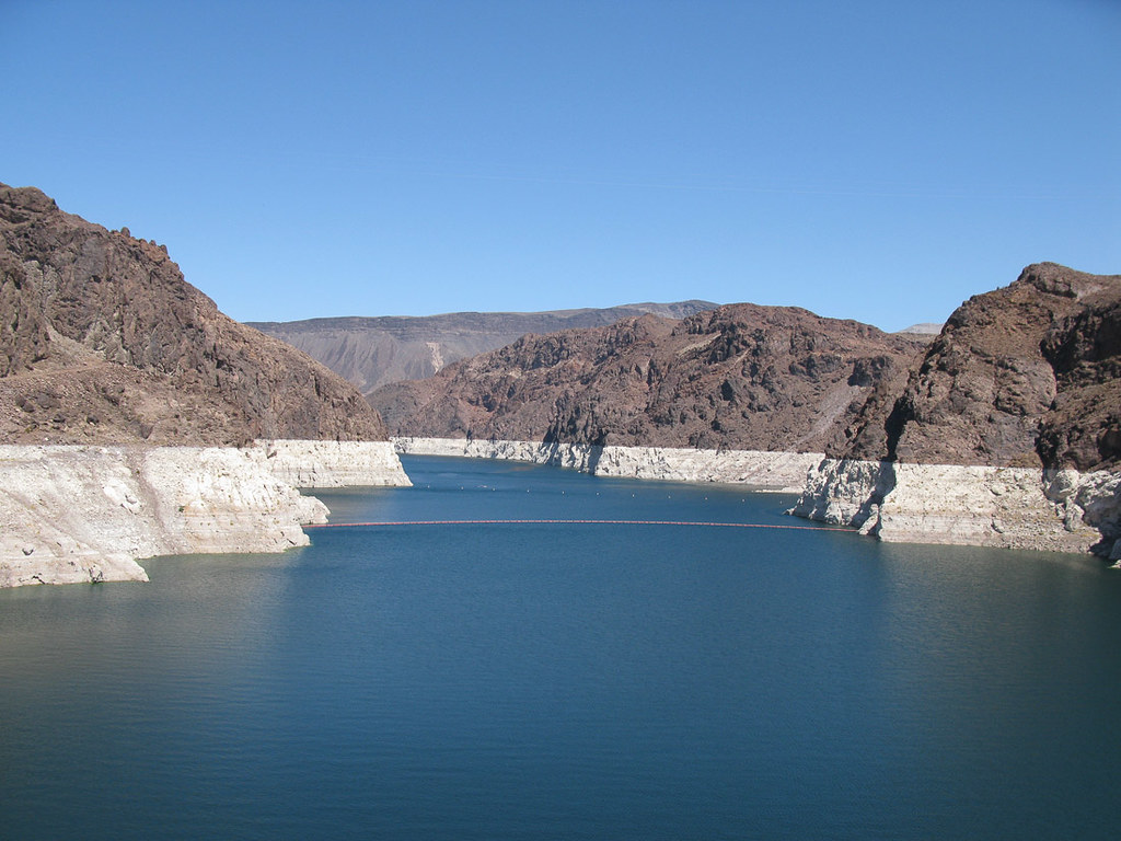Lake Mead levels at Hoover Dam