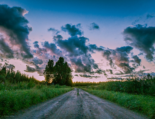 hongistontie lasikangas ylipää raahe finland sky clouds road night august fields forest