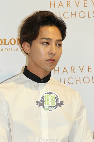 G-Dragon_HarveyNichols-COLOMBO_VIA_DELLA_SPIGA-HongKong-20140806 (57)