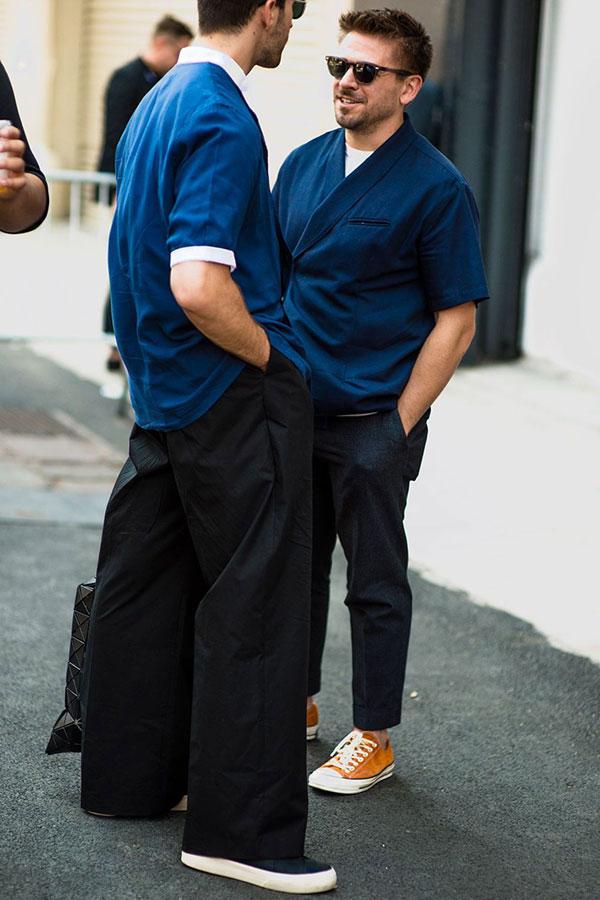 紺はんてん半袖シャツ×グレースラックス×キャメルスエードオールスターロー