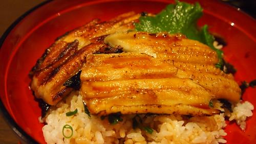 『姫路穴子と創作和食 一張羅』穴子の二色丼