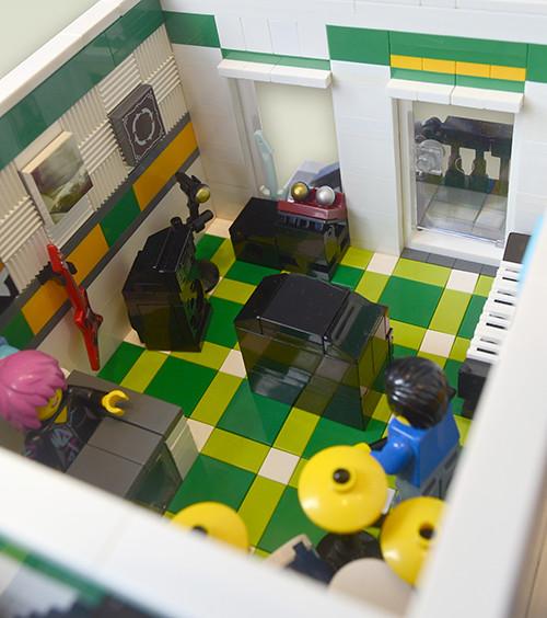 MS Store Interior 2 (s7)