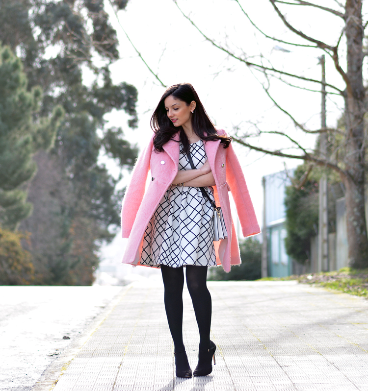 zara_pink_coat_ootd_outfit_stradivarius_tfnc_dress_04