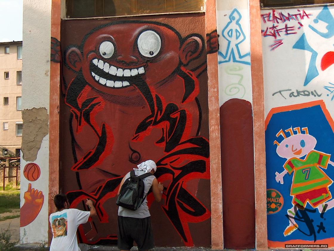 02-20040812-intercultural_communication_through_graffiti-oradea-grafformers_ro