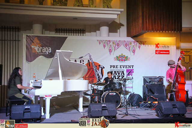 Pre Event Java Jazz Festival 2015 - Braga Jazz Walk Braga CityWalk- VAC ft Yeppy Romero Marcello Alulli (8)