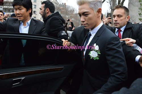 TOP - Dior Homme Fashion Show - 23jan2016 - StarshootinP - 02
