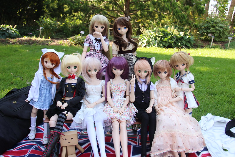 Doll Meet out in Niagara