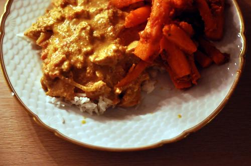 Butter chicken og gulerødder med sennepsfrø