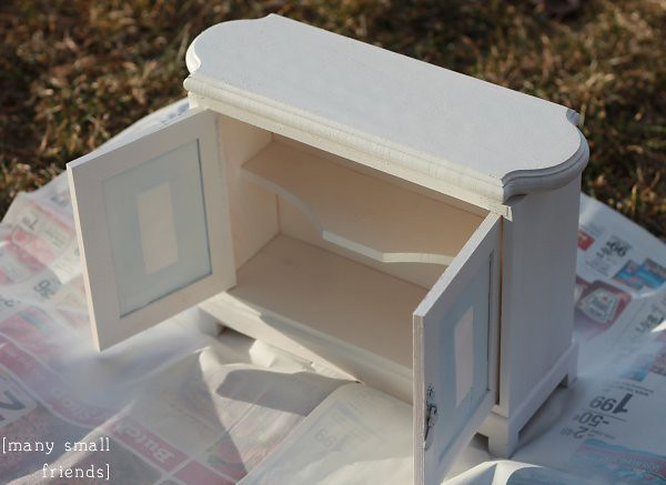 DIY Lighted Bakery Case for American Girl Dolls