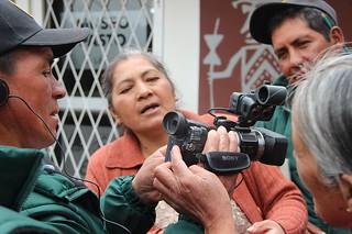Comuneros y comuneras aprendiendo y poniendo en práctica todas las fases de realización de una película