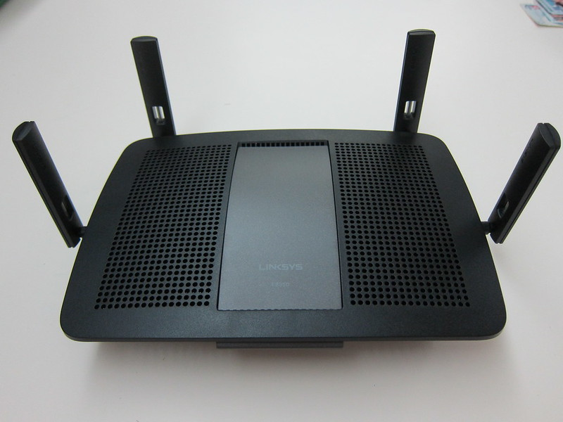 Linksys E8350 AC2400 Dual-Band Gigabit Wi-Fi Router Review