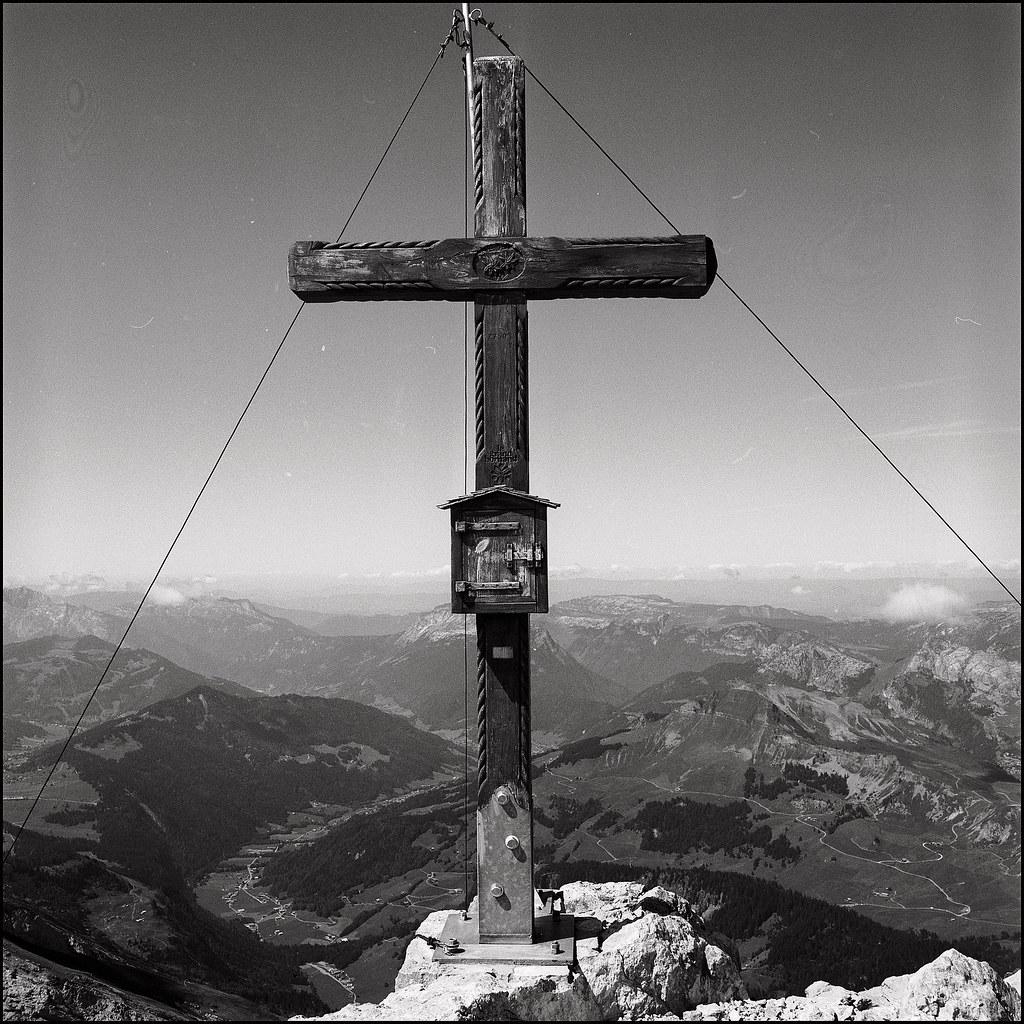 la croix de la pointe percée