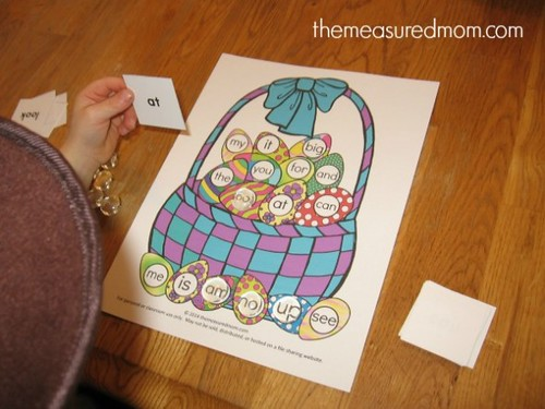 Free Easter File Folder Game (Photo from The Measured Mom)