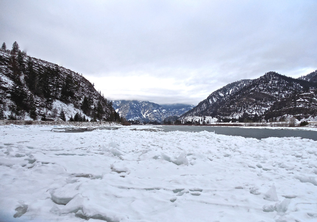 Ice on the lower Flathead River
