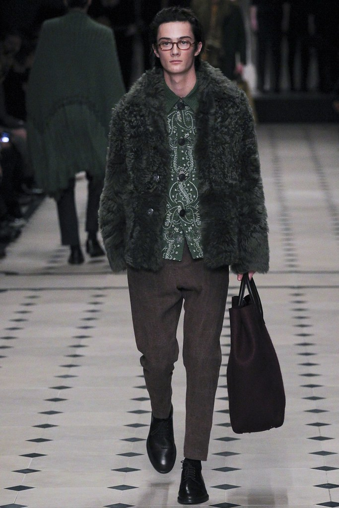 FW15 London Burberry Prorsum002_Oli Green(VOGUE)