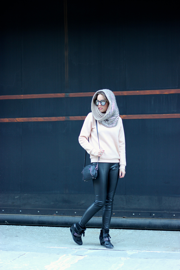 sweatshirt and leather leggings, winter outfit, boston fashion blogger