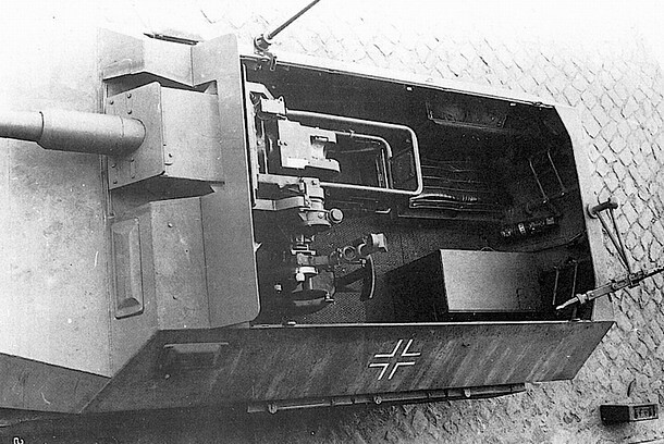 "Stummel 251"" this is a sdkfz 251 fitted with a short barreled 75mm"