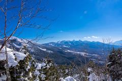 北横岳と八ヶ岳・・・陽が高くなって良く見える