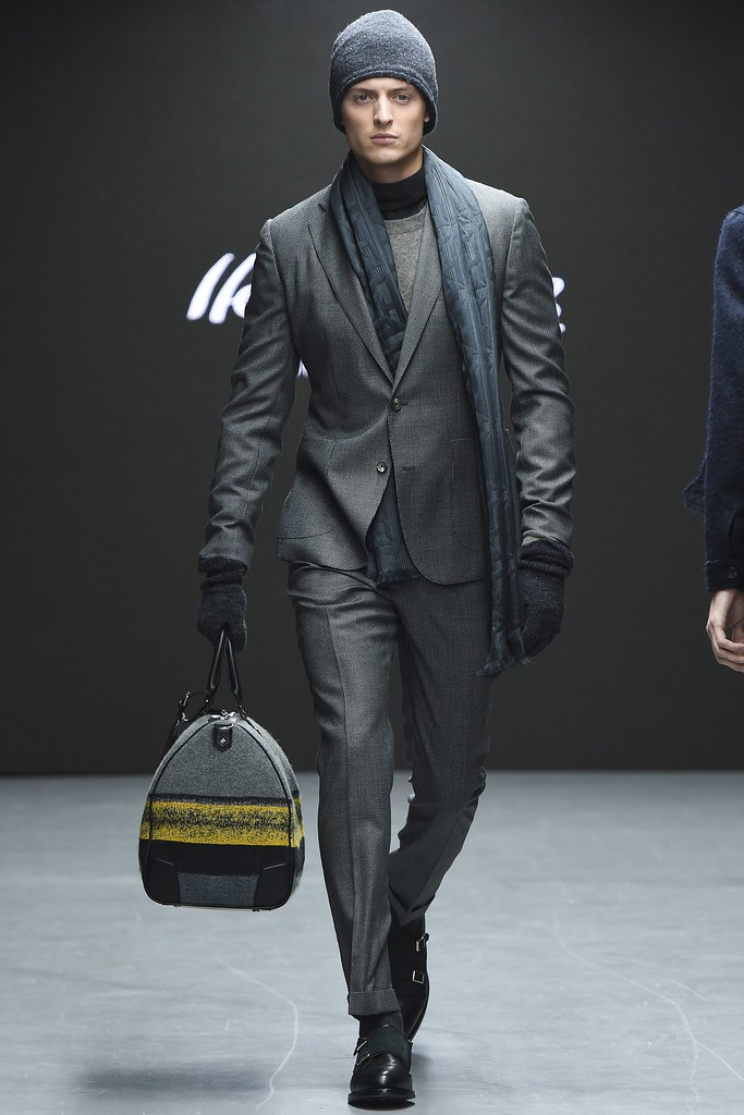 FW15 London Hardy Amies022_Max Rendell(VOGUE)