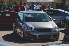 automobile, automotive exterior, wheel, volkswagen, vehicle, automotive design, volkswagen r32, volkswagen gti, volkswagen golf mk5, city car, compact car, bumper, land vehicle, volkswagen golf,