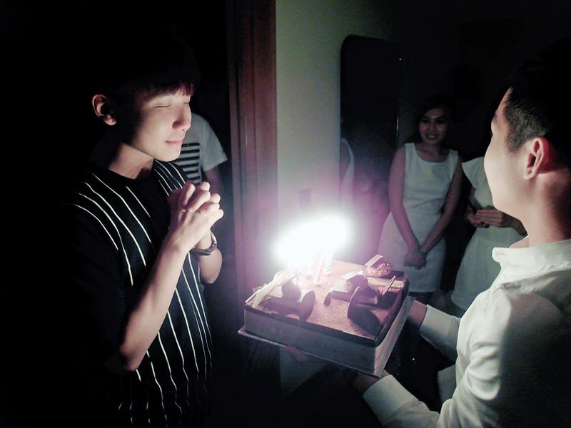 typicalben making birthday wish Grand Hyatt Singapore