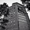 28.02.2010   Aún con departamentos en venta, así quedó la Torre O'Higgins luego del terremoto del #27F luego que el Banco Santander modificara un pilar estructural. +info :point_right: link en la bio :bust_in_silhouette: